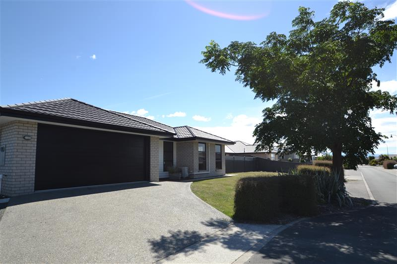 Modern 3 bedroom home in Hammill Grove